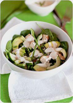 Chiken & avocado salad, +поменяла курицу на лосося, класс!