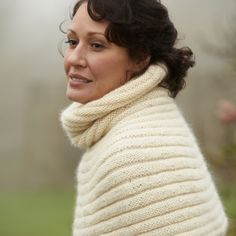 Lava shoulder cosy = so snuggly! Designed by Eline Oftedal for The Knitter. PDF available at www.themakingspot.com
