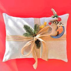 Its almost Christmas and you are scrambling to clear your gift list.  Sure Google and Pinterest are your friends but what to type in that search box? Thankfully we at Wholesome Linen have taken all the work out of finding that special something for those toddlers in your life. We scoured the internet to bring to you 5 Wholesome Gift selections.