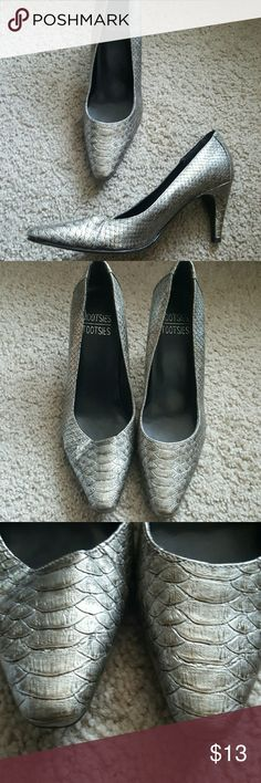 Mootsie Tootsie Heels Very great condition! Silver heels Alligator like pattern Size 6.5 2.5 inch heels Mootsie Tootsie  Shoes