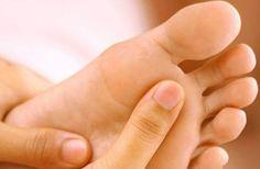 Home Remidies To Heal Cracked Feet