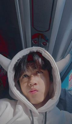 Cute Boyfriend Pictures, Boy Pictures, Korean Boys Ulzzang, Cute Korean Boys, Boy And Girl Friendship, Cool Boy Image, Taehyung Photoshoot, Cute Selfie Ideas, Snapchat