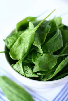 Eating Leafy Greens Such As Spinach And Kale Every Day Could Protect Brain Health And Reduce Dementia Risk, Study Suggests