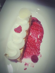 Millefeuille...cremeux vanille ...compote rasberry...montee vanille