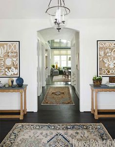 "The entry is ""classic yet informal.""   - HouseBeautiful.com"