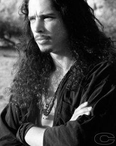 Chris Cornell Love the facial expression. Say Hello To Heaven, Seattle, Matt Cameron, Temple Of The Dog, Eddie Vedder, Most Beautiful Man, My Favorite Music, Music Bands, Hard Rock