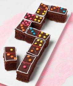 Vind je Domino een leuk spel? Dan vind je deze #traktatie vast nog veel leuker. Dominostenen die je kunt opeten! Klik op de afbeelding voor het #recept.