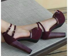 by via marte Pretty Shoes, Beautiful Shoes, Cute Shoes, Me Too Shoes, Wedge Boots, Shoe Boots, Shoes Heels, Pumps, Sneaker Heels