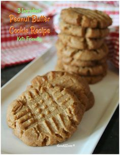 3 Ingredient Keto Peanut Butter Cookies Recipe Oh, my word! I am about to knock your socks off with this 3 ingredient Keto Peanut Butter Cookies recipe! If you are in the mood for something sweet but without all the guilt, this recipe is for you! Biscuits Keto, Cookies Et Biscuits, Keto Pancakes, Low Carb Desserts, Low Carb Recipes, Dessert Recipes, Snack Recipes, Dinner Recipes, Coconut Flour Recipes Keto