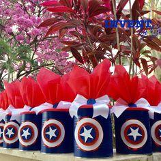 💪🏼🙅🏻♂️💥Muitos super heróis por aqui 💥arraste 👉🏼para ver 😉 #latasdecoradas #lataspersonalizadas #superheroes #heroesparty #temabatmam… Superhero Party Decorations, Superhero Theme Party, Birthday Party Decorations, Party Themes, Captain America Party, Captain America Birthday, Twins 1st Birthdays, Avengers Birthday, 2nd Birthday Parties