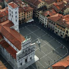 Piazza San Michele in Foro a Lucca.
