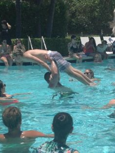 niall being lifted by paul #dirtydancing