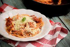 Gyerekkorunk kedvence, amit a mai napig nem lehet megunni. Tortellini, Pasta Recipes, Spaghetti, Chicken, Ethnic Recipes, Food, Cooking, Essen, Meals