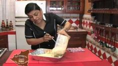 Nicaragua en mi sazon con Maria Esther Lopez - Pastel de Yuca, via YouTube.