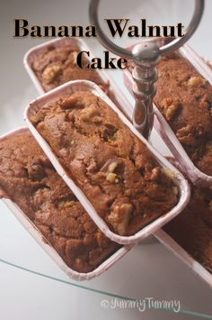 This delicious banana walnut cake taste amazing when served warm with a cup of coffee or tea. It is delicious and very healthy as well. Dessert Cake Recipes, Mini Desserts, Mini Cake Recipes, Banana Walnut Cake, Banana Cakes, Mini Loaf Cakes, Cooker Cake, Super Cookies, Cake Cookies