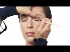 Bobbi Brown shows you how to do your makeup in 10 simple steps #Sephora #BobbiBrown #EverydayMakeup