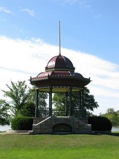 Wakefield Bandstand by Elizabeth Thomsen, via Flickr