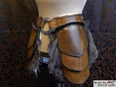 Quality leather tasset with massive 3'' ring and by lantredurenard