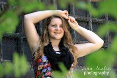 Loving everything about this! #senior #gradphots #poses #seniorposes #vanalesleephotography