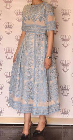 Color Block Half Sleeve Maxi X-line Dress Color Block Halbarm Maxi X-Line Kleid Modest Fashion, Hijab Fashion, Fashion Dresses, Kurta Designs, Blouse Designs, Indian Dresses, Indian Outfits, Pretty Dresses, Beautiful Dresses