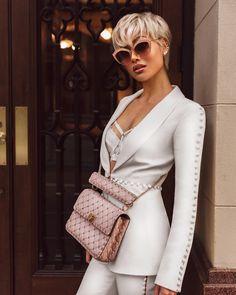 Micah-Gianneli-Influencer-Fashion-Blogger-OnPoint.photo-Onpoint-Melbourne-Australia-Vogue-Streetstyle-Editorial-Luisaviaroma-Gucci-Valentino-Misha-Collection-All-White-Fashionweek