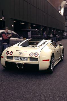 #BugattiVeyron