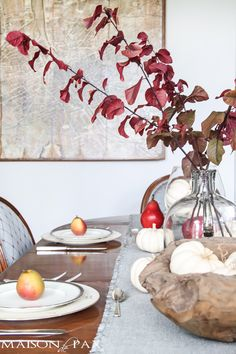 How to set a gorgeous Thanksgiving table: step by step process for a beautiful fall tablescape and gorgeous inspiration with white pumpkins, fall foliage, pears, and natural textures | maisondepax.com