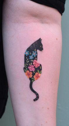 Beautiful Surrealist Double-Exposure Tattoos Mash Up People, Architecture & Nature cool double exposure cat tattoo © tattoo artist Iris Tattoo Studio ❤🐱🌺❤🐱🌺❤🐱🌺❤🐱🌺❤ Iris Tattoo, Tatoo Art, Get A Tattoo, Hp Tattoo, Cute Tattoos, Beautiful Tattoos, Body Art Tattoos, Small Tattoos, Tatoos