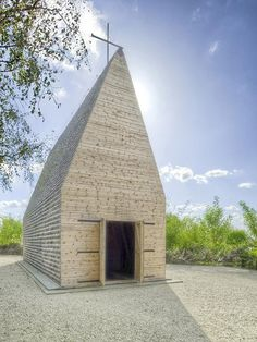 Chapel by Beton Architects. Tarnow, Poland.