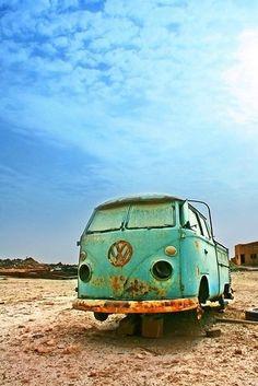 rusty blue vw