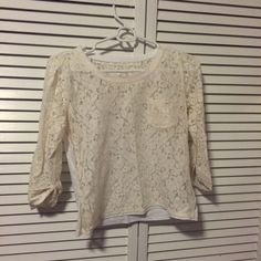 Gilly Hicks Top Cream lace top with white cotton back Gilly Hicks Tops
