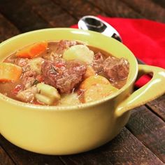 What's for dinner tonight? This slow cooker beef stew with potatoes, carrots, celery, onion, beef, garlic, rosemary and thyme.  Recipe at http://tiphero.com/slow-cooker-beef-stew/  #recipe #recipes #foodvideo #foodvideos #goodeats #homecooking #dinnertime #familydinner #yum #instayum #instafood #stew #slowcooker #beef #easymeals