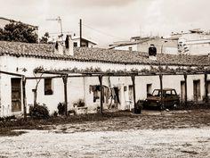Streetlife in Orosei auf Sardinien Louvre, Street View, Building, Travel, Sardinia, Monochrome, Viajes, Buildings, Trips