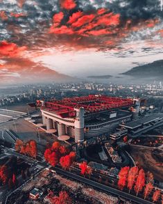 Football Pitch, Football Is Life, Football Shirts, European Football, Ac Milan, Wonderful Places, Amazing Places, Manchester United, All Over The World