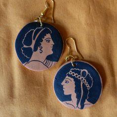 Orecchini Arianna & Dioniso Ispirati da un bellissimo vaso conservato al Museo di Toledo (USA). Dipinti a mano. Gioielli greci.