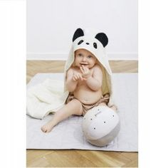 Bath time is fun time and the smiles get even bigger with this beautiful Liewood children's towel. Made from the softest organic cotton fabric the panda hood Childrens Towels, Slim And Fit, Little Panda, Textiles, Bath Time, Danish Design, Baby Fever, Playing Dress Up, Cute Kids