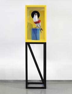 Eckart Hahn - CAESAR (2012) Buche, Lack, Glas, MDF, Gehrfalke/Präparat
