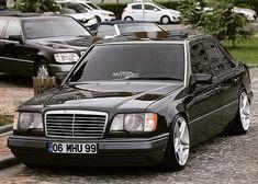 Mercedes Benz Amg, Mercedes 124, Mercedes Wheels, Classic Mercedes, Benz Car, Merc Benz, Lowrider Trucks, Mercedez Benz, Benz E Class