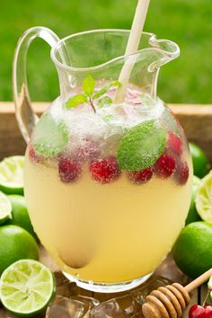These alcohol-free fizzy drinks are the perfect drink to have at a backyard party or for a girl's night in. See how to make Italian soda, fizzy juice drinks and alcohol-free sangria with our delicious and easy recipes! Party Drinks, Fun Drinks, Yummy Drinks, Healthy Drinks, Juice Drinks, Beverages, Limeade Drinks, Limeade Recipe, Non Alcoholic Drinks