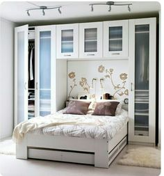 The ideas presented in this article will be of great use while you are preparing to decorate a master bedroom, especially if you have a small master bedroom. There are multitudes of ways to make a small master bedroom look… Continue Reading → Bedroom Storage Ideas For Clothes, Small Bedroom Storage, Small Master Bedroom, Master Bedroom Makeover, Home Bedroom, Bedroom Decor, Bedroom Ideas, Closet Ideas, Master Suite