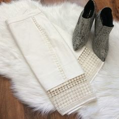J.Crew white pencil skirt w/eyelet detail Perfect skirt for any season! Throw on booties and a knit sweater for fall or a light cream blouse for spring and you are ready for work. Offers welcome through offer tab. No trades. Size 4petite. 98% cotton. 2% elastane. J. Crew Skirts Pencil