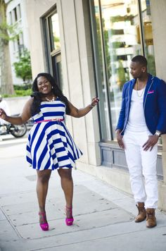 Love the classic royal blue that both bride and groom are sporting in these engagement photos!