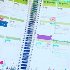 Day 15: Fav colors! I love bright colors like turquoise lime green and hot pink! #plannerdarlingspotd