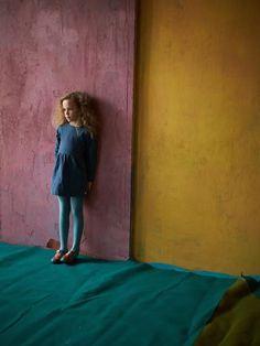 Color combination: teal, saffron and fig Room Colors, Wall Colors, House Colors, Girls Room Paint, Color Combinations, Colour Schemes, Milk Magazine, Colour Architecture, Small Apartment Design