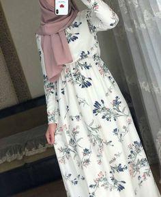 Dresses has beautiful ❤️♥️ – Hijab Fashion 2020 Modest Fashion Hijab, Modern Hijab Fashion, Street Hijab Fashion, Muslim Women Fashion, Modesty Fashion, Hijab Fashion Inspiration, Islamic Fashion, Abaya Fashion, Fashion Outfits