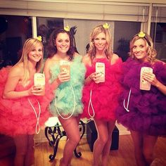 A bath puff costume is sure to be one of the most creative costumes of the night! And you can make it yourself to boot.  What you need to do: Buy some tulle from a fabric store, and bunch it up to pin or sew on an outfit. You can choose to wear a tube dress, tank top and shorts, or leggings and t-shirts underneath. Source: Instagram user jsessbrown Diy Halloween Costumes For Women, Creative Costumes, Diy Costumes, Halloween Diy, Costume Ideas, Halloween Fashion, Crazy Costumes, Awesome Costumes, Homemade Costumes