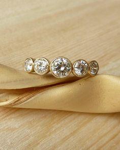 5 Bisel piedra diamante Set Band por kateszabone en Etsy