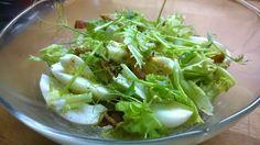 Tupun tupa: Kananmuna-pekonisalaatti