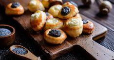 Milé, sladké pečivo sobľúbenými plnkami. Pretzel Bites, Doughnut, Cheesecake, Muffin, Treats, Baking, Breakfast, Healthy, Sweet