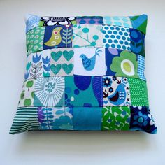 Scandinavian style modern patchwork Cushion / by madebylisajane on Etsy Patchwork Cushion, Patchwork Baby, Crazy Patchwork, Patchwork Patterns, Fabric Patterns, Easy Baby Blanket, Blanket Yarn, Cushion Inspiration, Charm Quilt